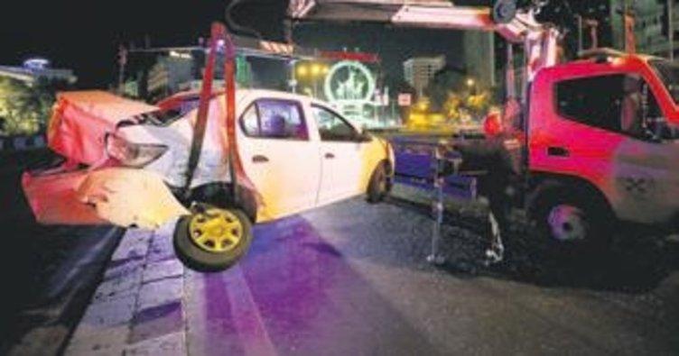 258 promil alkollü sürücü servis aracına çarptı