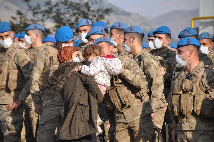 Son dakika haberi: Kahramanlar Suriye'ye böyle uğurlandı...