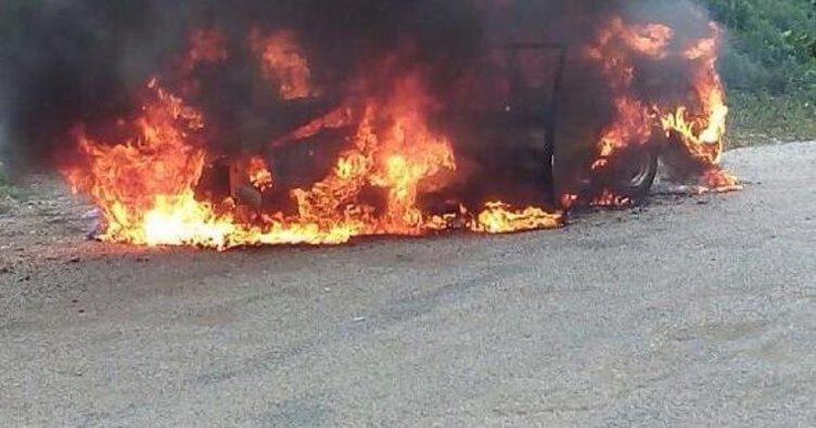 Bursa'da seyir halindeki araç yandı