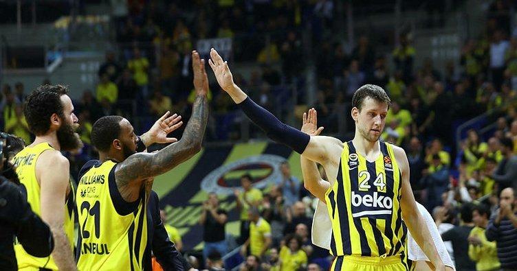 Valencia Basket'in guardı Loyd'tan Fenerbahçe'ye geçmiş olsun mesajı