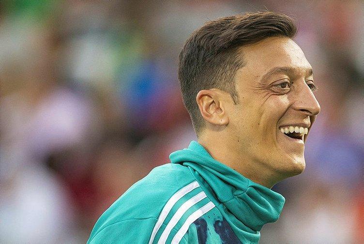 Mesut Özil imaj değiştirdi!