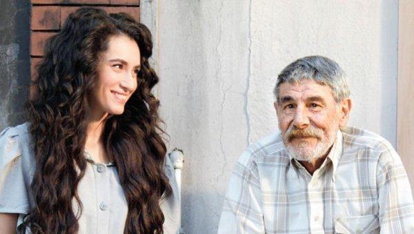 Usta sanatçı Ercan Yazgan'ın kızları kim biliyor musunuz?