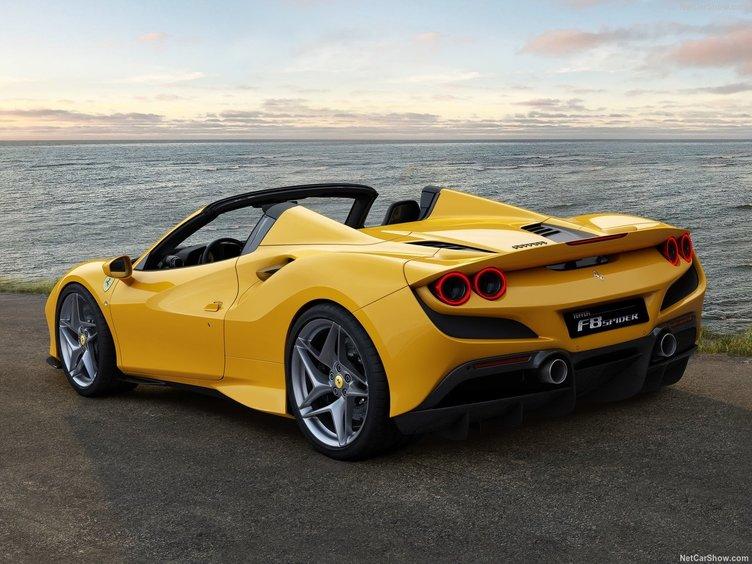 2020 Ferrari F8 Spider hakkında her şey! İşte İtalyan devinin diğer canavarı
