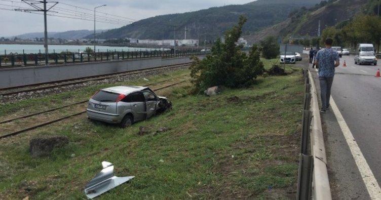 Havza'da otomobil refüje devrildi: 3 yaralı
