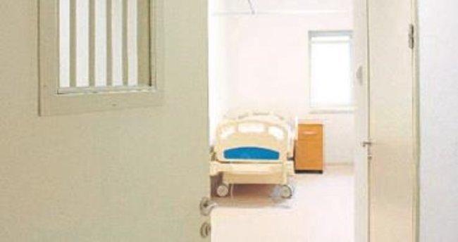 2 hastanede tutuklu ve hükümlü servisi