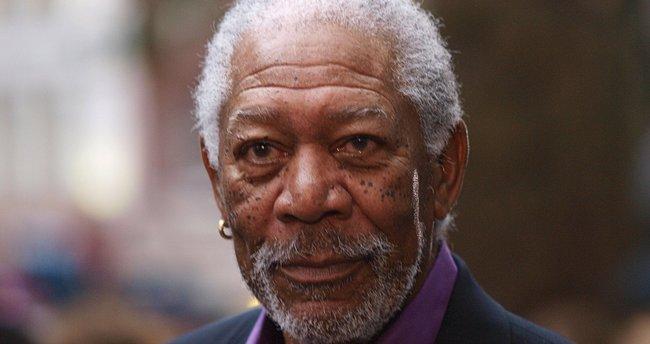 Dünyaca ünlü oyuncu Morgan Freeman ezan okudu