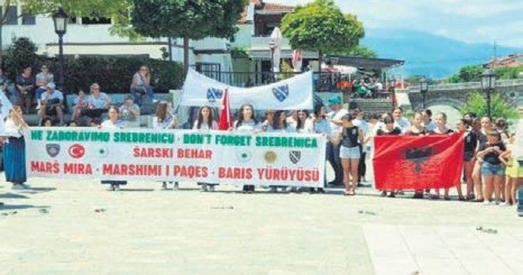 Prizrenliler Srebrenitsa kurbanları için yürüdü