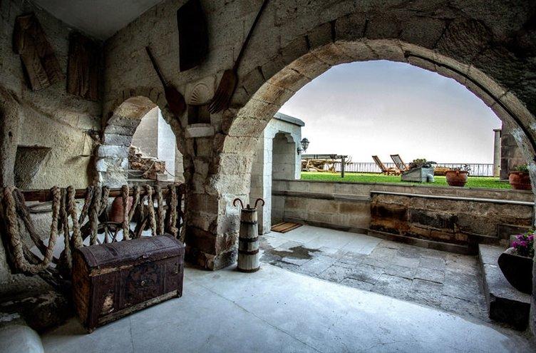 """Türkiye'nin ilk müze oteli """"Museum Hotel"""""""