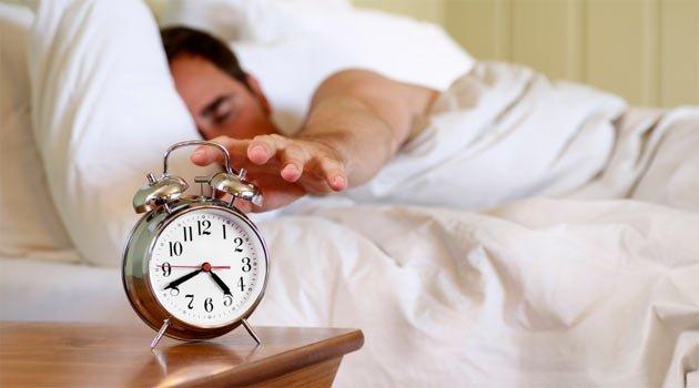 Gece sık sık uyanmanın 20 nedeni