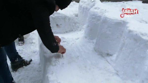 Esnaf kardan kanepe, sehpa yapıp üstünde çay içti   Video