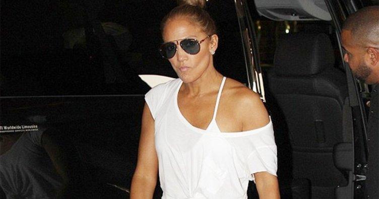 49'luk genç Jennifer Lopez!