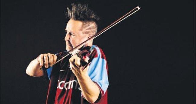 Klasik müziğin asi çocuğu İstanbul'a geliyor