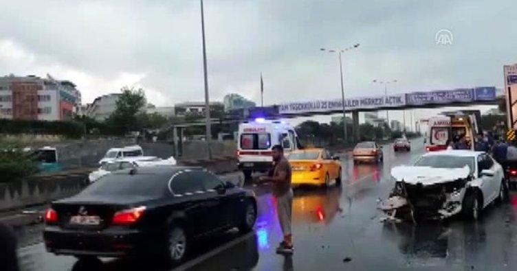 Maltepe'de zincirleme trafik kazası! Yaralılar var