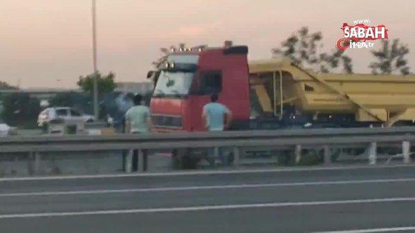 İstanbul'da görenleri şaşırtan mangallı ölümcül yolculuk kamerada | Video