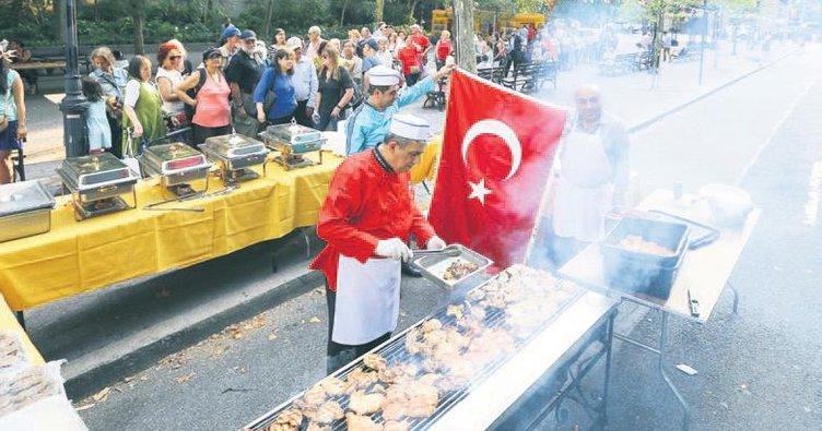 New York'ta Türk yemeği kuyruğu