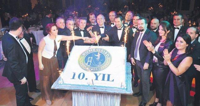RUMELİSİAD'da 10. yıl kutlaması