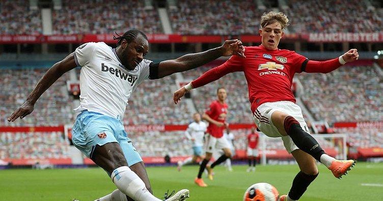 Manchester United Williams ile uzattı