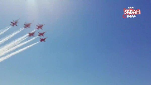 Kıbrıs semalarında F-16'lar ve Türk Yıldızları'ndan gösteri uçuşu   Video