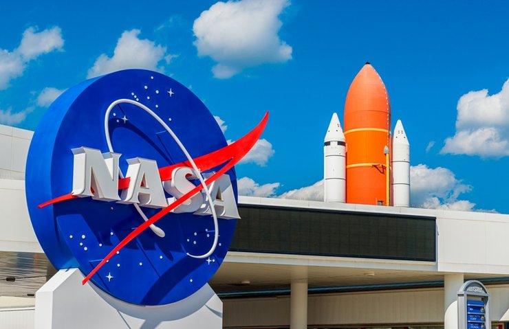 NASA Saturn roketini bedavaya veriyor!