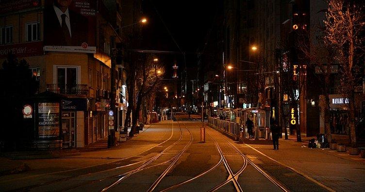 SON DAKİKA | Hafta sonu hangi illerde sokağa çıkma yasağı olacak ve nereler açık olacak? İşte hafta sonu yasağı hakkında tüm detaylar!