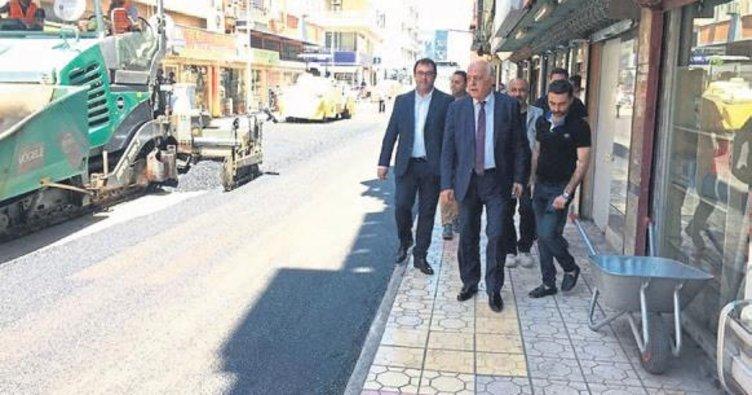 İskenderun'da yollar asfaltla kaplanıyor
