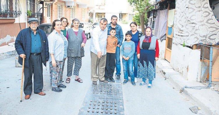 İZSU temizlik yaptı evlerin içini su bastı