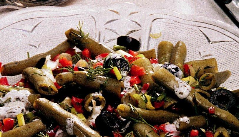 Soslu Bakla Salatası