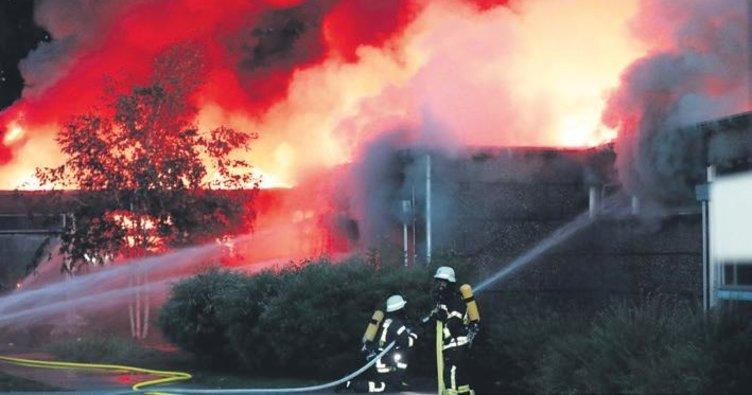 Kasabanın iki okulunda yangın