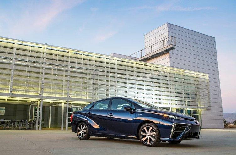 Toyota Mirai Avrupa'ya açılıyor