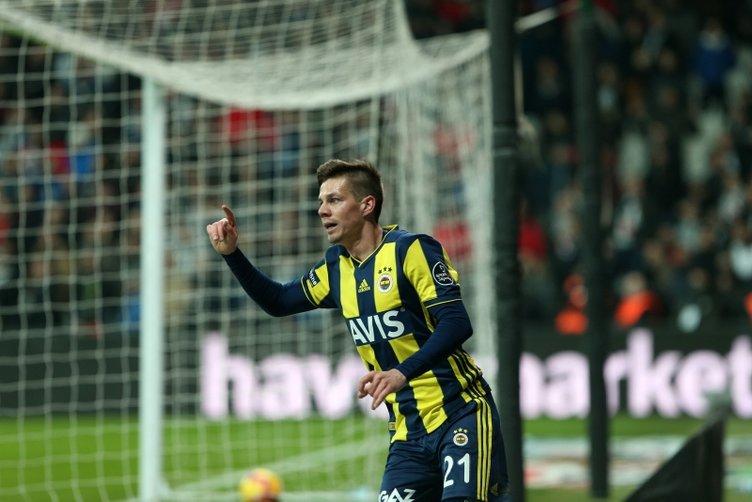 Fenerbahçe 7 futbolcu ile yollarını ayırıyor