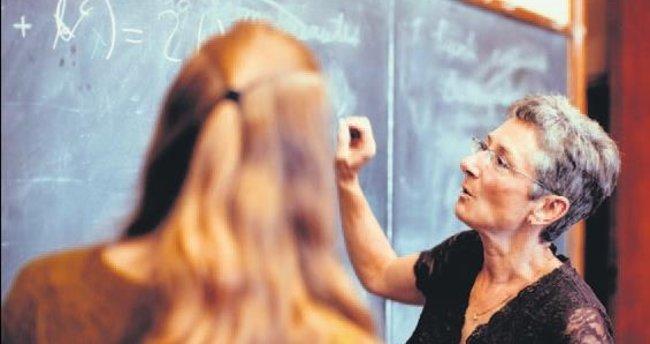 Liselerde profesör dönemi
