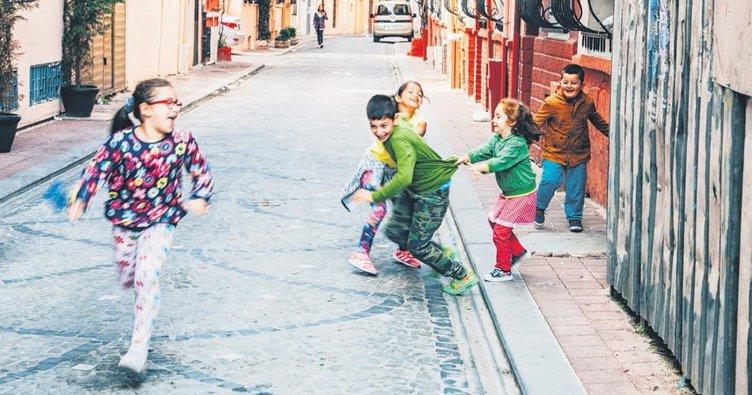 Çocuklarla açık havada eğlence