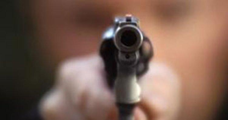 İki kardeş, silahlı saldırıda yaralandı