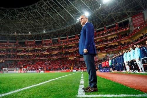Antalya'da yer yerinden oynadı... Türkiye - İsveç maçında büyük sürpriz