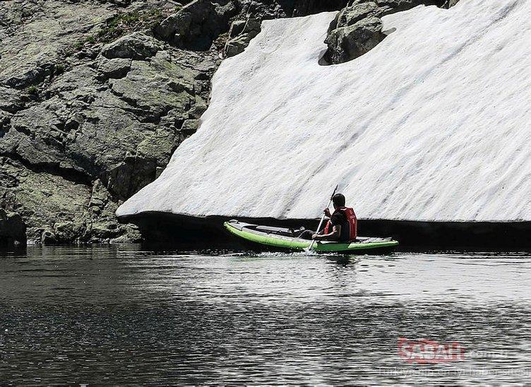 Giresun'da 2 bin 750 rakımlı buzul gölünde kano etkinliği yapıldı