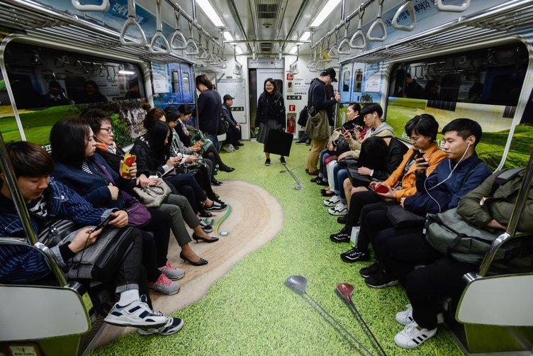 Dünya Seul metrosunda