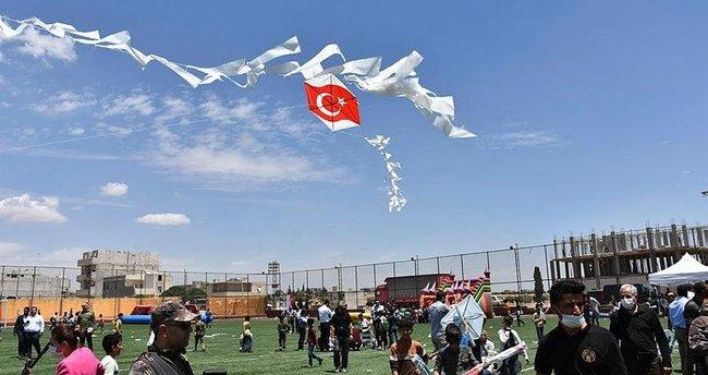 Barışa uçurtma uçurdular