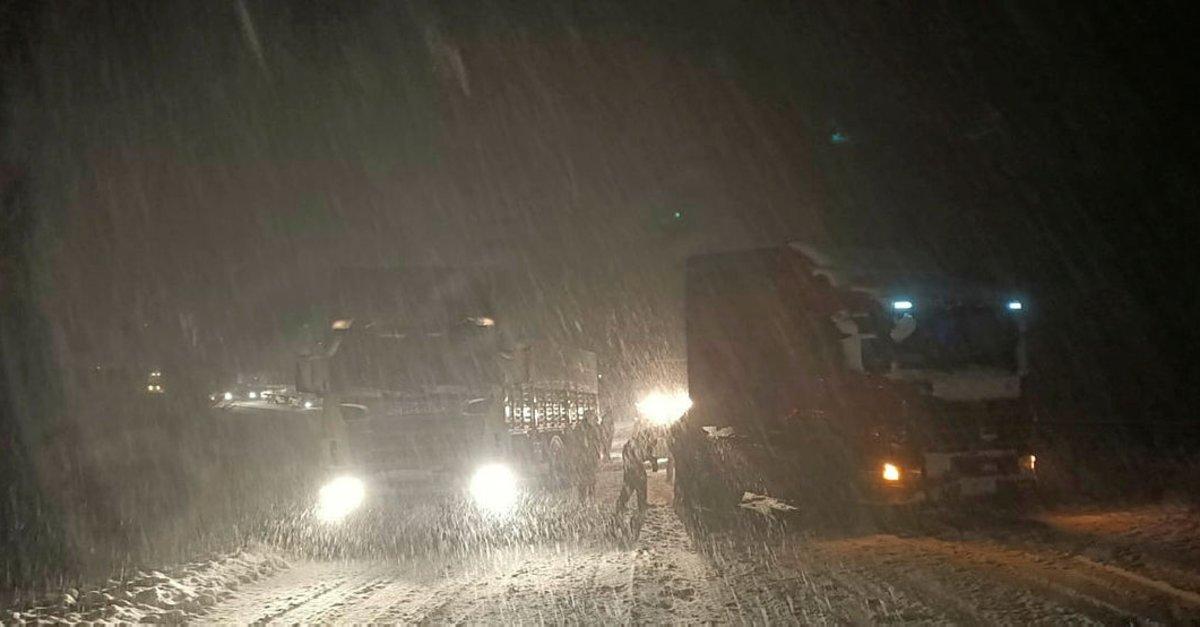 Tokat- Sivas karayolu ağır tonajlı araçların geçişine kapatıldı
