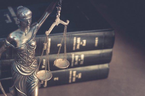 5 Nisan Avukatlar günü mesajları! 2019 Resimli Avukatlar günü ...