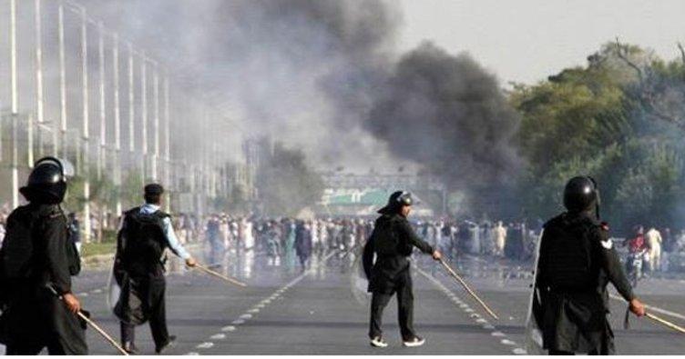 Afganista sarsıldı: Camide patlama!
