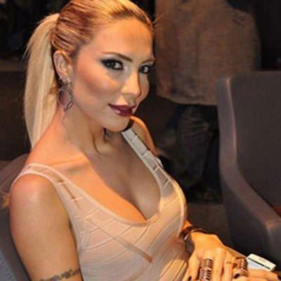 Rüştü'nün karısı Instagram'da olay yarattı