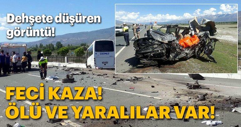 Erzincan'da feci kaza!