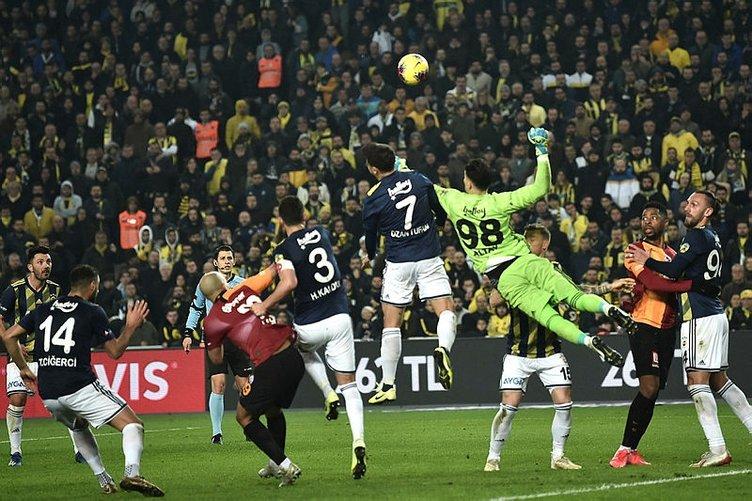 Galatasaraylı yıldız şoke oldu! İşte Kadıköy'de yaşanan o an
