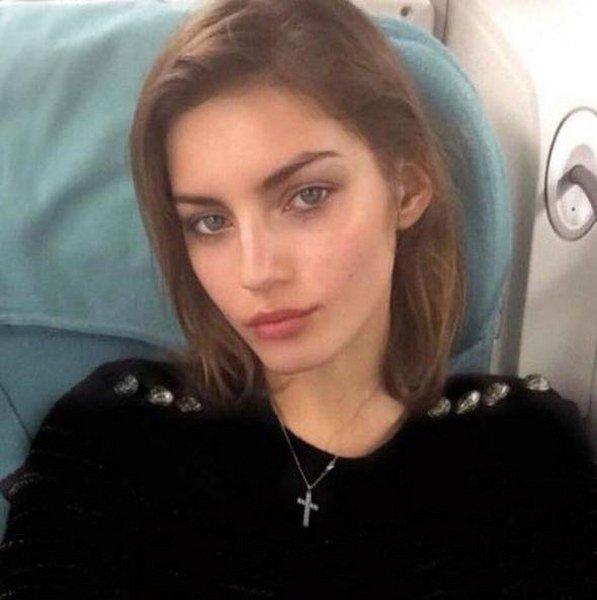 Dünyanın gözlerini kamaştıran Victoria's Secret meleklerinin doğal hallerini merak ediyor musunuz?