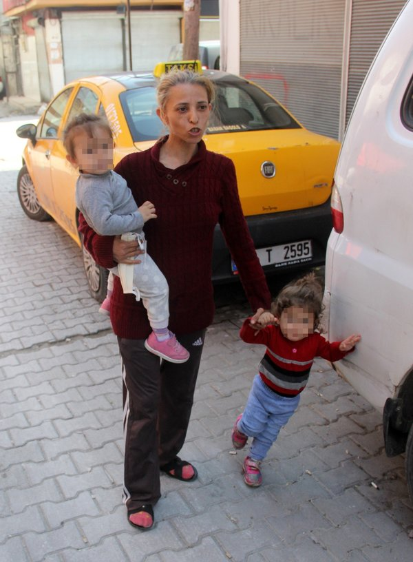 Son dakika: Çocuklarıyla sokağa atılan kadından şok iddia! - En ...