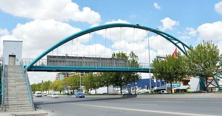 Başkent'in modern ve estetik görüntüsünü yenilemek amacıyla yaya üst geçitleri turkuaza boyanıyor