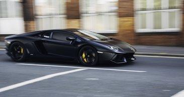 Bu arabayla Lamborghini'yi bile şaşkına çevirdiler! Yaptıkları spor otomobili görenler şoke oldu