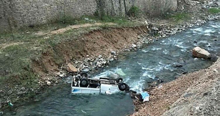 Giresun'da kamyonet dereye yuvarlandı: 1 ölü