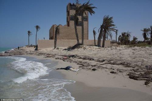 Libya'da yüzlerce ceset sahile vurdu!
