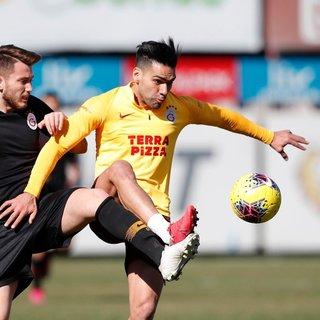 Galatasaray'da Falcao antrenmanda takımla çalıştı